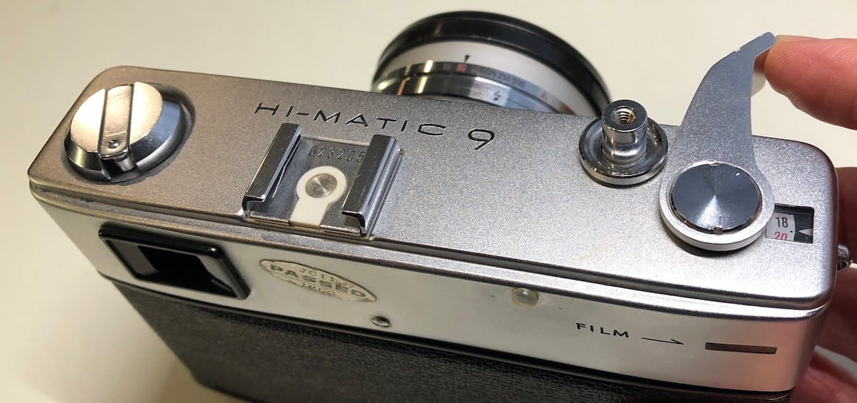 Full film advance swing of the Hi-Matic 9